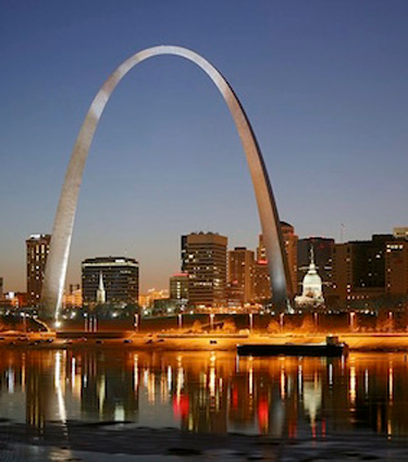 Gateway arch and St. Louis skyline at night